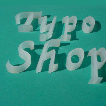 Satiniertes Acryl in 10mm Materialstärke. Beschriftung 3D Buchstaben Online kaufen Plastik plastische Buchstaben